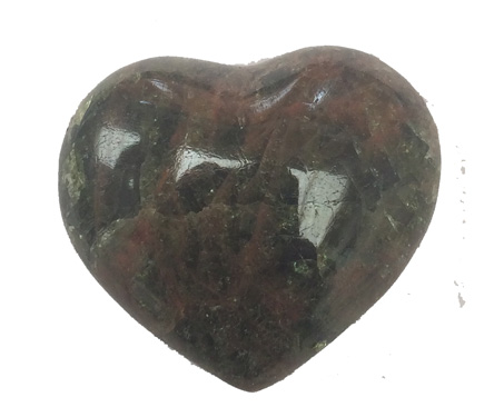 Apatite Heart approx. 3 x 3 cm.