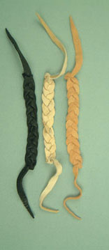 Braided deerskin bracelet. Iroquois. 3 colours