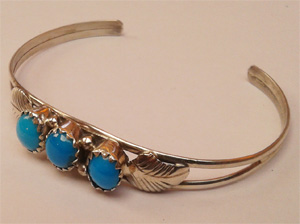 Baby bangle with turquoise